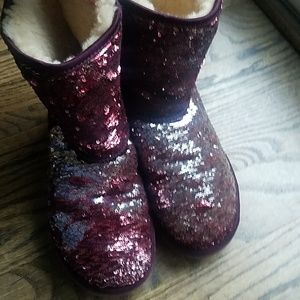 UGG Shoes - Size 8 UGG uggs CLASSIC SHORT SEQUIN BOOT woman's